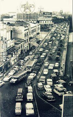MacArthur Bridge, Manila. 1964. Clover Theater, FEATI University Philippines Culture, Manila Philippines, Paris Skyline, New York Skyline, The Old Days, Pinoy, Archipelago, Cool Photos, Interesting Photos