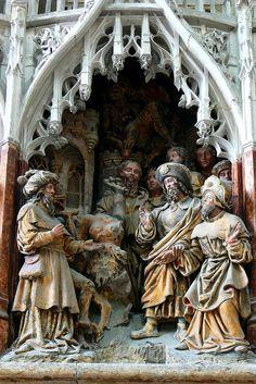 St. James the Greater - Amiens  https://c1.staticflickr.com/5/4118/4864107870_e57d896c61_b.jpg