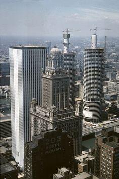Marina City towers under construction, 1962. http://chicagopast.com/post/29052136082