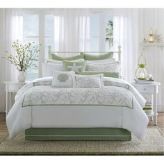 Harbor House Brisbane Sage Green Comforter Set Home Kitchens Queen Bedding Sets