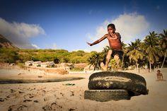 www.kaapverdie.nl - Playing on Tarrafal beach, Santiago, Kaapverdie, Cabo Verde