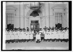 christmas at the whitehouse 1900 | choir performing at the White House for President Calvin Coolidge ...