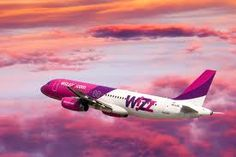The Wizz Air low-cost carrier offers a new scheme to back up the training of future pioneers in its training academy. The Wizz Air low-cost carrier offers a new scheme to back up the training of future pioneers in its training academy. Cheap Flight Deals, Cheap Flight Tickets, Air Tickets, Riga, Ukraine, Airbus A320, Flights To London, Barcelona, Aviation News
