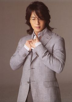 I just love this photo of Bae...man he is handsome and so fine! Korean actor Bae Yong Joon post.jpg