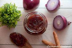 La Marmellata cipolle di Tropea è perfetta da gustare con antipasti di formaggi o con della carne di maiale . Gustosa e particolare .