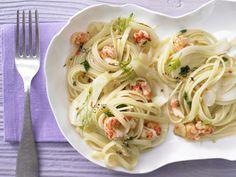 Fenchel und krebsfleisch geben der Pasta eine besondere Note. Scharfe Krebsfleisch-Pasta - mit Fenchel - smarter - Kalorien: 500 Kcal - Zeit: 15 Min.   eatsmarter.de