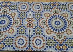 Marokkaanse tegels Bathroom Styling, Bathrooms, Bedroom Decor, Quilts, Blanket, Rugs, Home Decor, Style, Moroccan Interiors