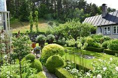 This garden was created by Gunilla and Lars Hansson in Hvite Mölle at Kivik (Sweden).