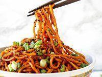 15 perces Aromás Kínai Tészta Lactose Free Desserts, Diy Food, Wok, Japchae, Macarons, Food And Drink, Vegetables, Ethnic Recipes, Gluten