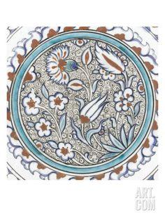 Plat à décor de fleurs et médaillon Giclée