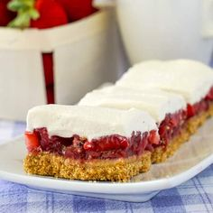 Strawberry Pie Bars, with no artificial colors or flavors. Our fresh strawberry pie filling meets a graham cracker crust in these easy to make dessert bars. Rock Recipes, Pecan Recipes, Baking Recipes, Cookie Recipes, Dessert Recipes, Bar Recipes, Summer Recipes, Strawberry Bars, Strawberry Recipes