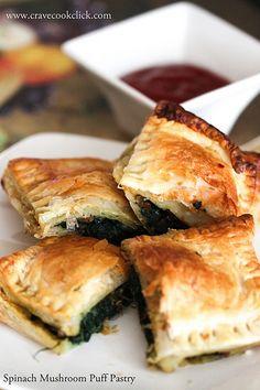 Spinach Mushroom Puff Pastry  Recipe  http://cravecookclick.com/spinach-mushroom-cheese-puff-pastry-recipe/
