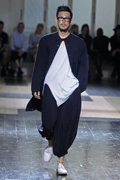 Yohji Yamamoto Men's RTW Spring 2013--------- I like how I look after getting fucked up.