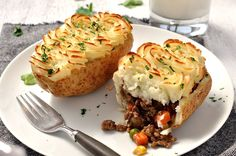Shepherd's Pie - in potato skins! A neat way to use up the potato you scoop out. No fuss express version- just 15 minutes preparation!