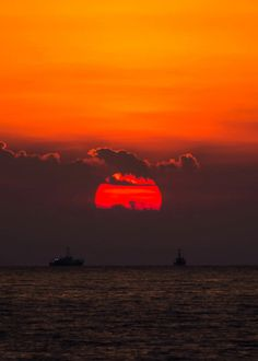 coiour-my-world: daybreak |Leszek photo eremius