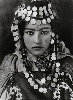 Berber girl ~ most Berber people live in North Africa, mainly in Libya, Algeria, and Morocco. Small Berber populations are also found in Niger, Mali, Mauritania, Tunisia, Burkina Faso and Egypt.