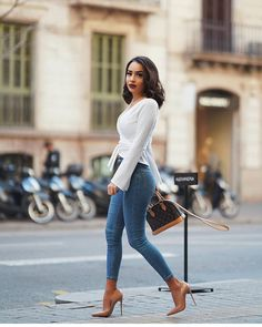 "67 Me gusta, 2 comentarios - Svetlana (@high_heeled_women) en Instagram: ""Beauty in hot heels @di1ara #shoes #shoeporn # #instafashion #instagramers #highheels #heels…"""