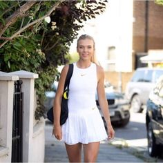 Setting off from my for the Wimbledon mixed doubles this afternoon ☺️ Katie Boulter, Wta Tennis, Tennis Stars, Little White Dresses, Tennis Players, Wimbledon, Costumes, Beauty, Kiss