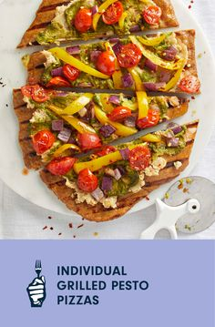 Did someone say pizza party? Homemade dough, a savory ricotta-like bean spread, and fresh pesto make these tasty flatbreads feel like an extra special treat. If you're cooking with guests, let everyone mix and match which veggies they put on top! Feel free to use anything that's in season, and drizzle with balsamic vinegar just before serving for a flavorful finishing touch. Vegan Pesto, Vegan Pizza, Vegan Casserole, Pesto Pizza, Cooking Courses, Free Meal Plans, Nutrition And Dietetics, Pizza Party, Vegan Baking