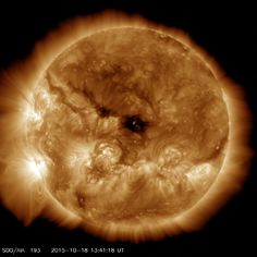 Astronomers spot gigantic hole in sun js