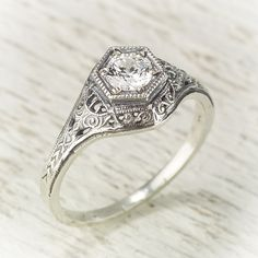 Filigree Antique Vintage Yellow Gold 1/4ct Diamond Engagement Wedding Ring