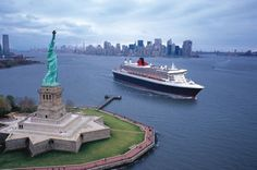 Find New York Cunard Queen Mary 2 August 2016 Day Cruises to Transatlantic - Cruise Critic Cunard Queen Mary 2, Queen Mary Ii, Baby Am Strand, Les Hamptons, Transatlantic Cruise, Best Cruise Ships, Grand Parc, Cruise Holidays, Uk Holidays