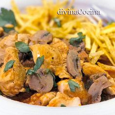 Este receta de pollo frito estilo Kentucky es mi favorita entre todas las recetas de pollo frito. El resultado es un pollo jugoso, aromático y crujiente. Flan, Empanadas, Pollo Frito Estilo Kentucky, Pollo Guisado, Cloud Bread, Chicken Recipes, Sandwiches, Curry, Dinner