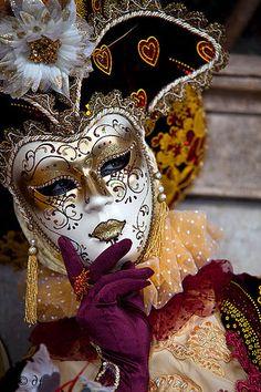 mardi gras cuisine and costumes | Mardi Gras - Pisces