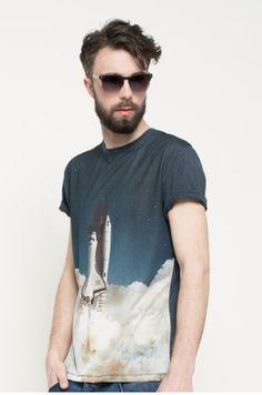 Medicine - T-shirt Space Odyssey kolor granatowy RS17-TSM806 - oficjalny sklep MEDICINE online