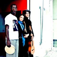 O trio Revista do Samba comemora 10 anos de carreira com uma apresentação especial, marcada para o dia 26, às 21h, no Teatro Popular Solano Trindade.