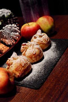 Jablíčka v županu Mozzarella, Muffin, Breakfast, Kitchen, Food, Morning Coffee, Cooking, Kitchens, Essen