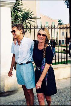 Coup de foudre mutuel à Saint-Tropez avec Bernard D'Ormale, qu'elle épouse en 1992...