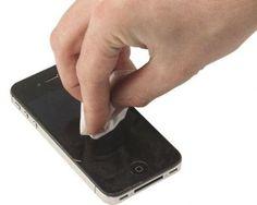 Všetky novo zakúpené telefóny alebo tablety majú lesklé krásne obrazovky. Ale to iba na niekoľko týždňov, pretože tá panenská čistota … Čítať ďalej