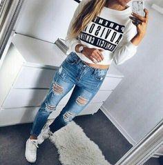 jeans y sudadera