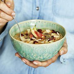 Recept: Morotsgröt med mandelrippel och kokos