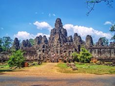 Adventurous Miriam | How to visit Angkor Wat in 2 days
