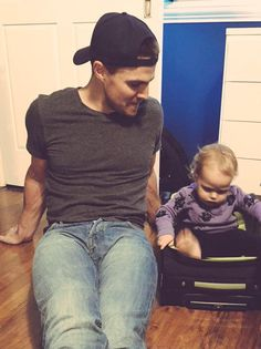 Stephen Amell is the best dad ever
