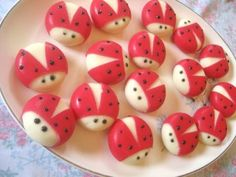 BabyBel Cheese, cut away wax & decorate with food writer/ gel. Wonderful idea for ladybug theme Babybel Cheese, Ladybug Party, Preschool Snacks, Festa Party, 1st Birthday Parties, Frozen Birthday, 2nd Birthday, Cute Food, Healthy Kids