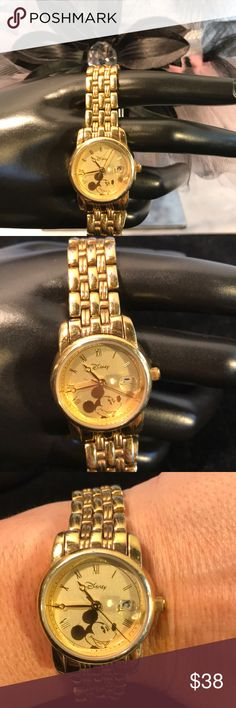 """Disney gold Mickey watch ♥️ Beautiful Gold Disney Mickey watch excellent condition has safety clasp no scratches on the face. Battery is working and is good to go. Fits 8"""" wrist. ♥️😊🐾🐾 Disney Jewelry"""