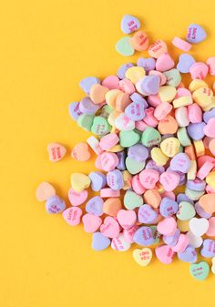candy hearts as quilt inspiration. My Funny Valentine, Candy Photography, Valentines Day Background, Candy Background, Pastel Background, Holiday Day, Candy Shop, Mellow Yellow, Candyland
