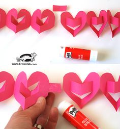 Gifts for Valentine's day with their hands: Valentine's Day ideas for kids — DIY is FUN Diy For Kids, Crafts For Kids, Diy Crafts, Valentine Day Crafts, Holiday Crafts, Origami, Paper Chains, Party Background, How To Antique Wood