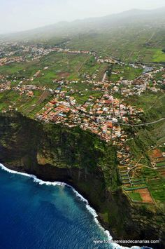 El Sauzal, Tenerife, Spain  ✈✈✈ Don't miss your chance to win a Free Roundtrip Ticket to Tenerife, Spain from anywhere in the world **GIVEAWAY** ✈✈✈ https://thedecisionmoment.com/free-roundtrip-tickets-to-europe-spain-tenerife/