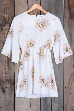 We love the simple femininity of this floral dress. You can feel cool with side sleeves & comfortable fabric. Cupshe.com has more to satisfy you!