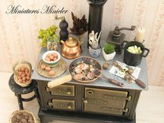 Miniature Dollhouse Kitchen Set With Stove, Food And Accessories