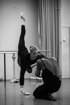 Léonore Baulac and Hugo Marchand in rehearsal for Millepied's Clear, Loud, Bright, Forward Ballet Poses, Ballet Dancers, Street Dance, Shall We Dance, Just Dance, Benjamin Millepied, Ballet Couple, Alonzo King, Dance Dreams
