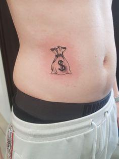 Forarm Tattoos, Tatoos, Tattoo Ak47, Chicano, Tattoo Studio, Future Tattoos, Tattoos For Guys, Money Bag Tattoo, Blackwork
