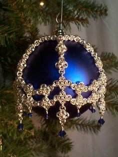 I want a full dozen of these in all colors for my tree this year!!! Wow!!! Diamondback Ornament Cover from Long Canyon