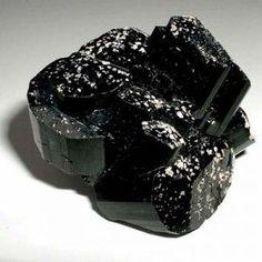 Le pouvoir des pierres : les vertus de la tourmaline