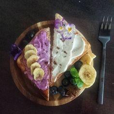 Toast with bluberry cream cheese 👌🏻 #feedfeed #iamwellandgood #buzzfeast #food52 #instafood #foodster #health #healthy #homemade #creamcheese #bluberry #banana #toast #cheese #enjoy #lifestyle #Yummy4mytummy #good #delicious #protein #healthylifestyles #sogood #foodporn #milkshake #fit #insta #meal Food 52, Milkshake, Acai Bowl, Protein, Berries, Food Porn, Toast, Banana, Cheese