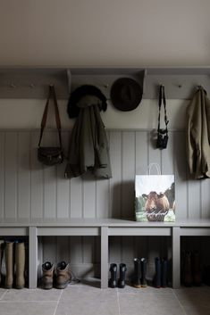 This unique ultimate dog room is a very inspiring and really good idea Flur Design, Küchen Design, House Design, Interior Design, Mudroom Laundry Room, Laundry Room Design, Boot Room Utility, Utility Room Designs, Design Living Room